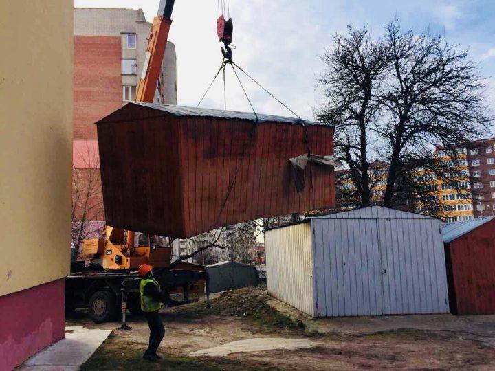 Які саме незаконно встановлені гаражі незабаром демонтують у Івано-Франківську (адреси)