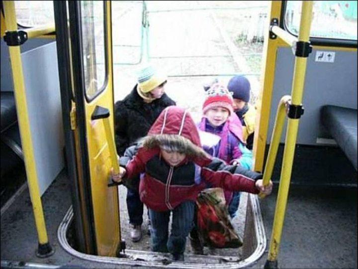 Прикарпатські водії маршруток продовжують знущатись із пільговиків